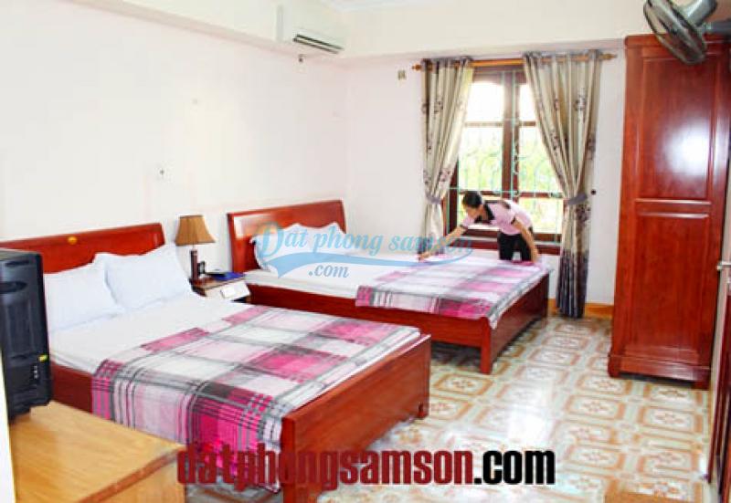 Phòng nghỉ 2 giường đôi giá rẻ tại Khách sạn Hoa Hồng 1 Sầm Sơn