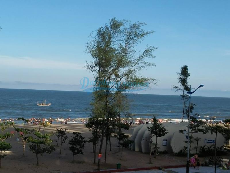 Phòng khách sạn nhìn ra biển hotel Ha noi 2