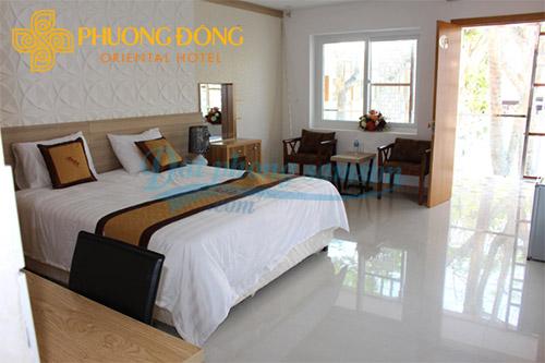 Phòng nghỉ khách sạn Phương Đông Sầm Sơn (góc nhìn từ trong)