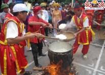 Lễ hội Bánh chưng - Bánh dày, Cầu ngư - Bơi chải Sầm Sơn năm 2015