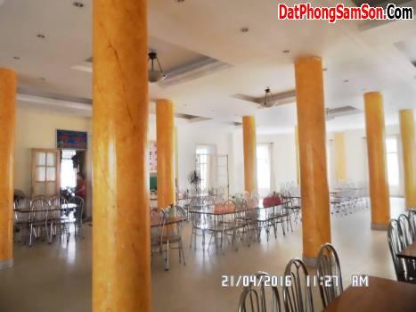Phòng ăn lớn của khách sạn Bộ Tư Lệnh Lăng Sầm Sơn